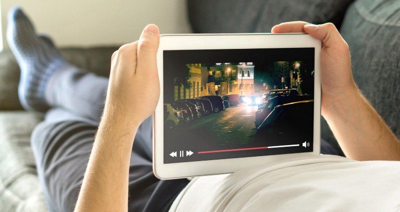/can-you-build-your-own-movie-streaming-website-like-netflix-and-hulu-with-zero-coding-b787ee7dc35e feature image