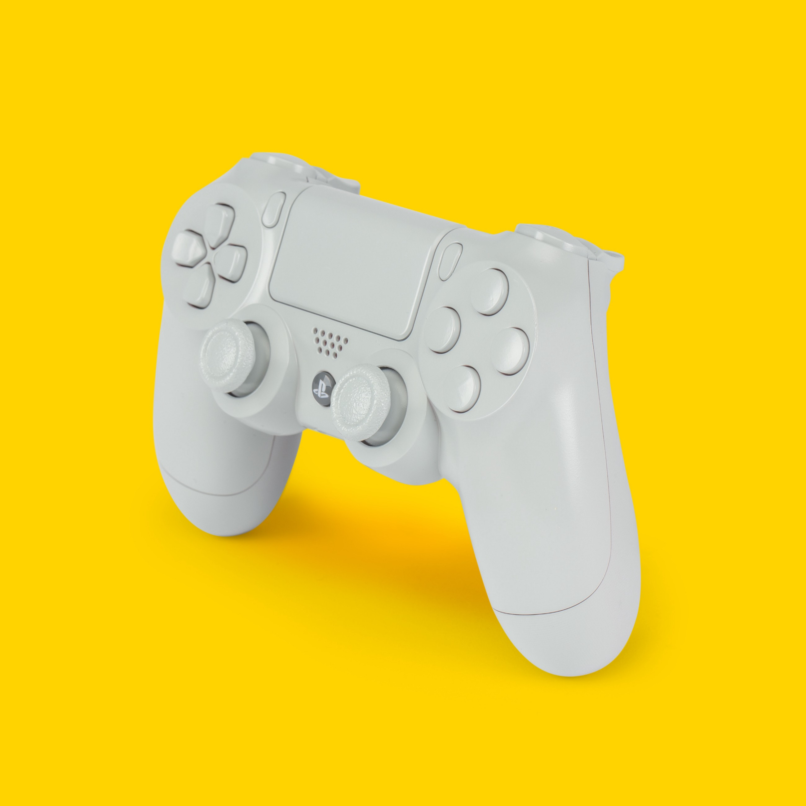 /why-google-has-an-edge-over-cloud-gaming-56886ee0440f feature image