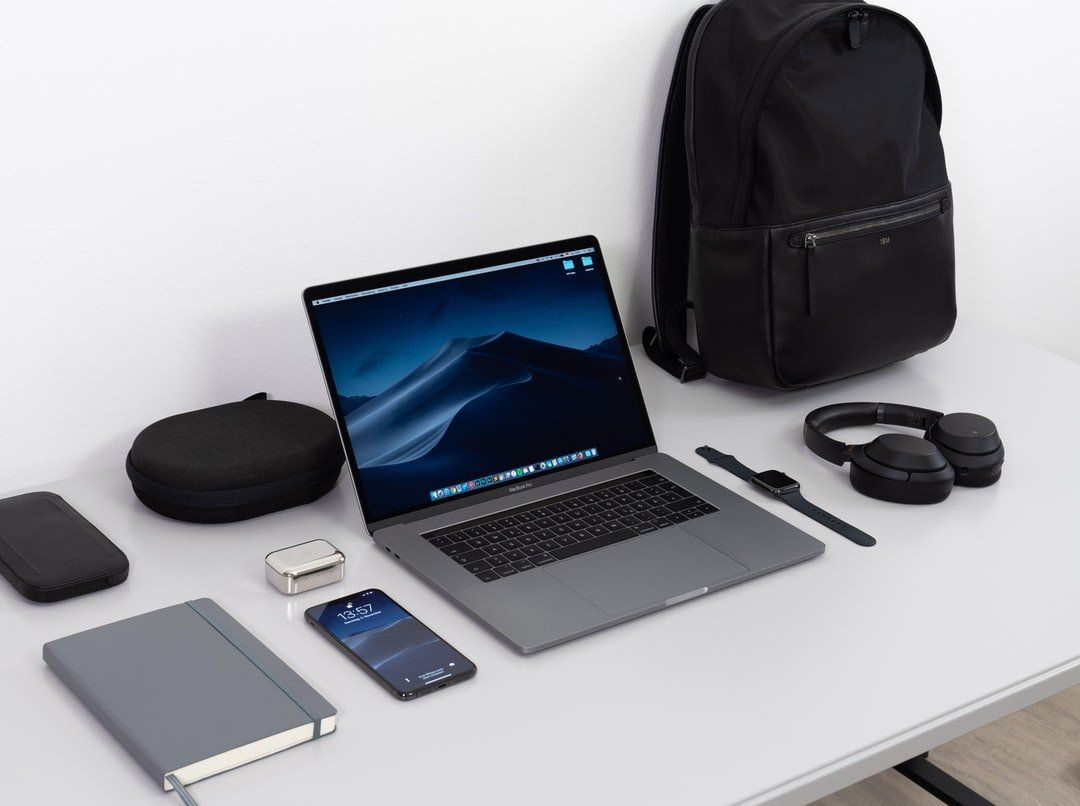 /inside-a-hackers-backpack-gadgets-tips-and-tricks-for-hackers-5i6b31ie feature image