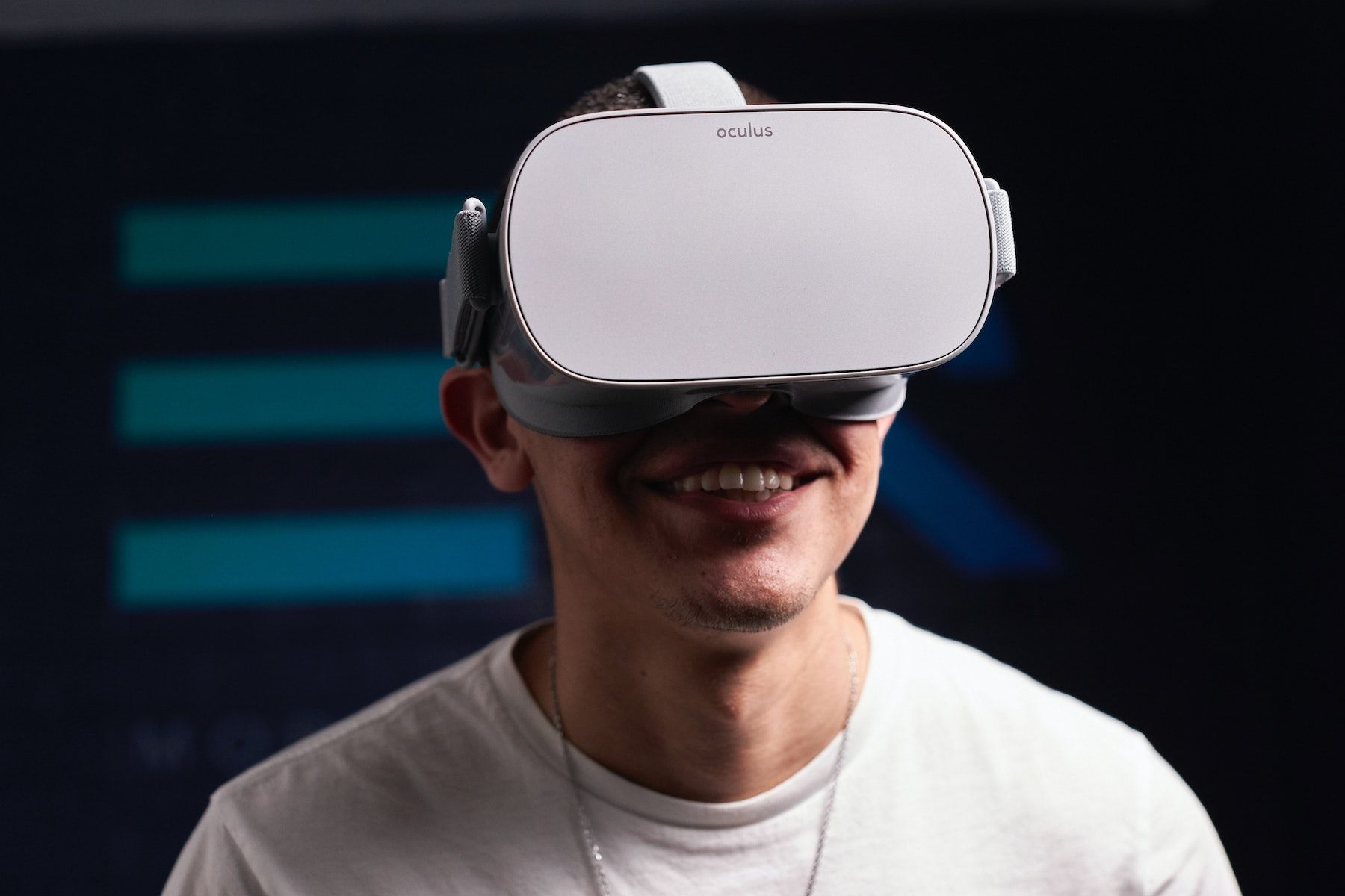 /exploring-the-future-of-hospitality-infused-with-mixed-reality-8l4l31h3 feature image
